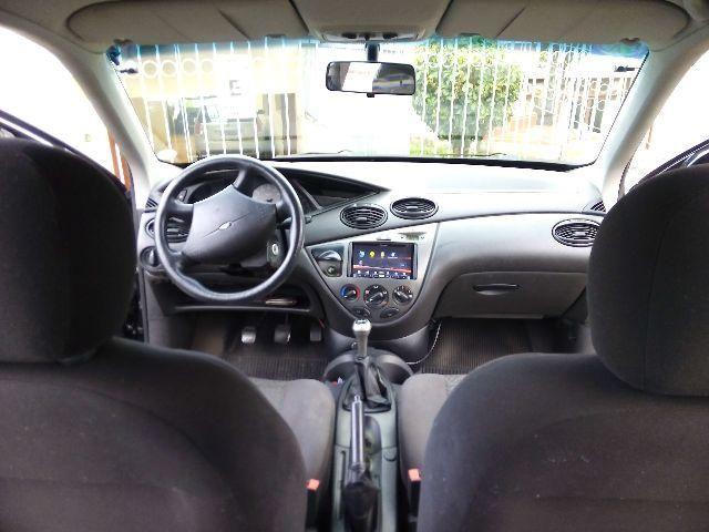 Ford Focus Hatch GL 1.6 8V - Foto #7