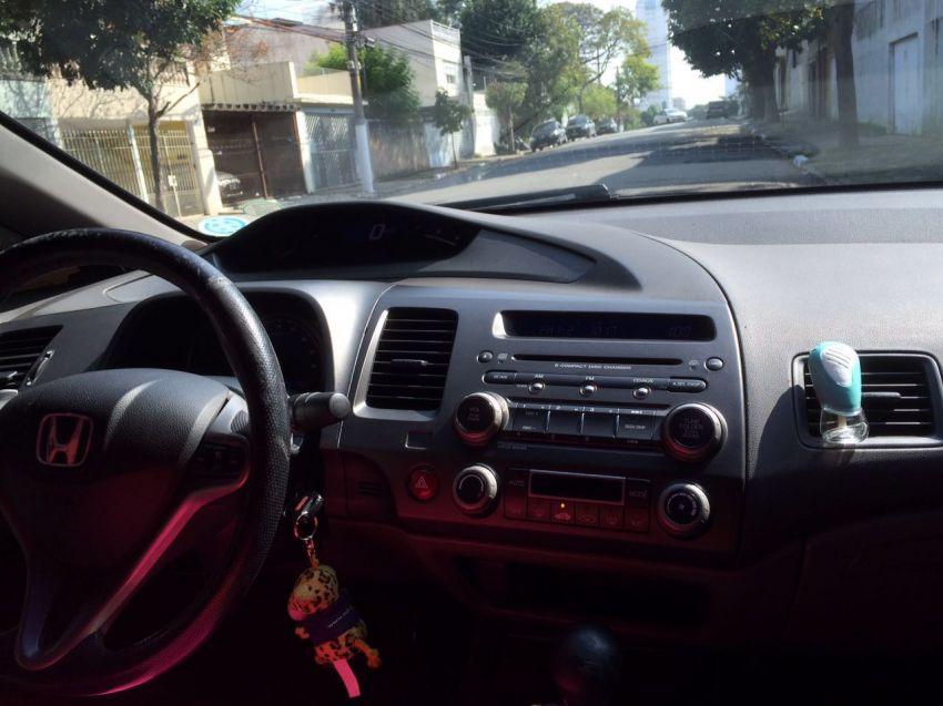 Honda Civic Sedan EXS 1.6 16V - Foto #3