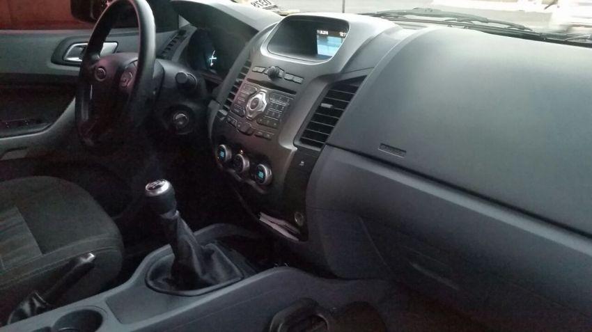 Ford Ranger XLT 4x2 2.5 (Cab Dupla) - Foto #4