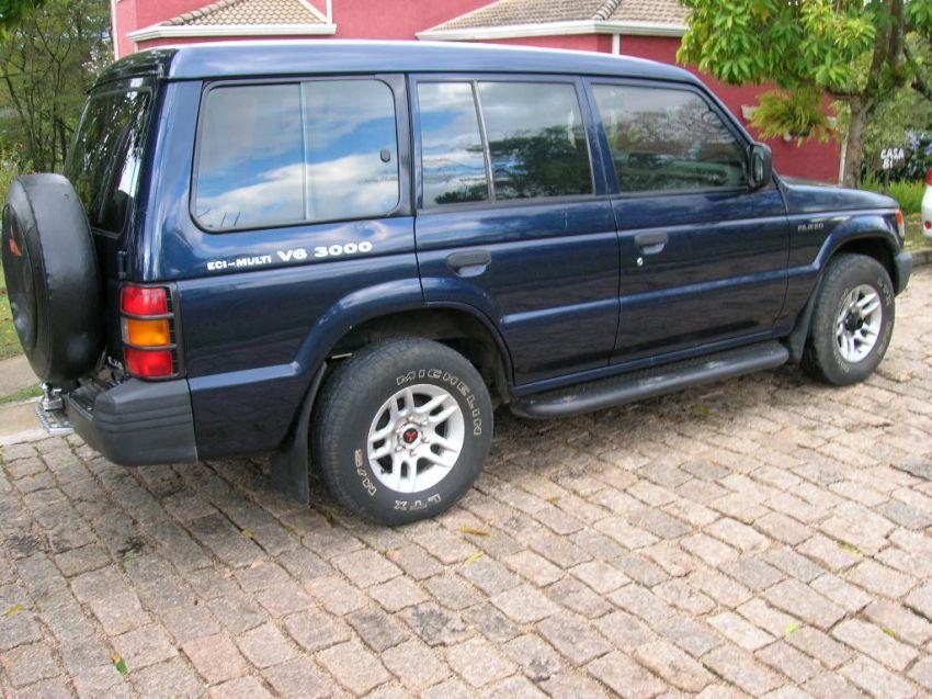 Mitsubishi Pajero GLX 4x4 3.0 V6 - Foto #2