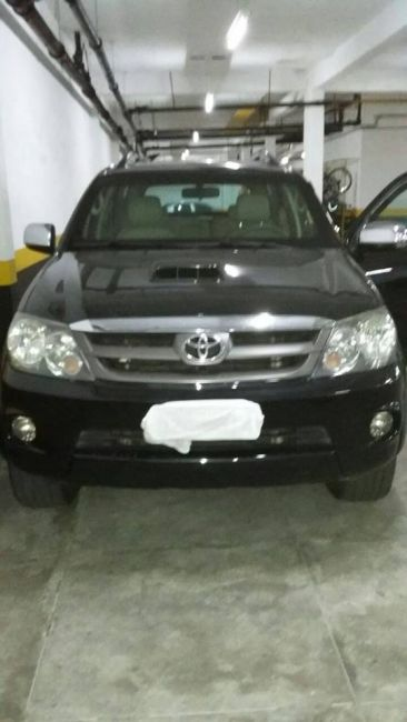 Toyota Hilux SW4 3.0 TDI 4x4 SR 5L (Aut) - Foto #3