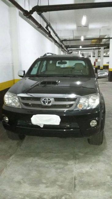 Toyota Hilux SW4 3.0 TDI 4x4 SR 5L (Aut) - Foto #9