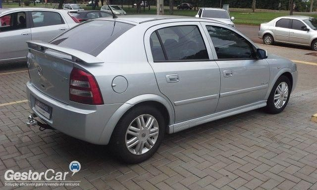 Chevrolet Astra Hatch Elegance 2.0 (Flex) - Foto #4