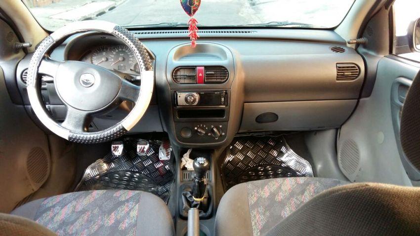 Chevrolet Corsa Hatch 1.0 8V - Foto #9