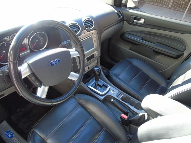 Ford Focus Hatch Ghia 2.0 16V Duratec (Aut) - Foto #3