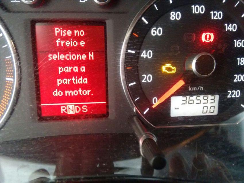 Volkswagen Polo Sedan Comfortline 1.6 8V I-Motion (Flex) (Aut) - Foto #6