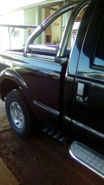 Ford F250 XL 4.2 V6 (Cab Simples) - Foto #4