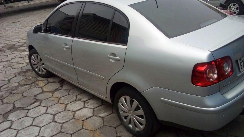 Volkswagen Polo Sedan 1.6 8V I-Motion (Flex) (Aut) - Foto #4