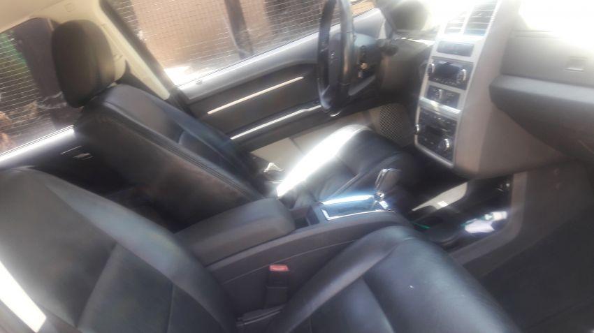 Dodge Journey SXT 2.7 V6 - Foto #4