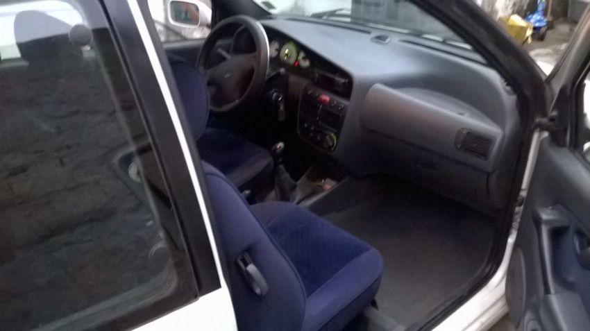 Fiat Palio 1.6 MPi 16V 2p - Foto #2
