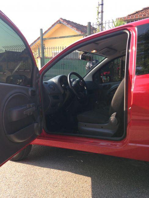 Fiat Uno Vivace 1.0 (Flex) 2p - Foto #8