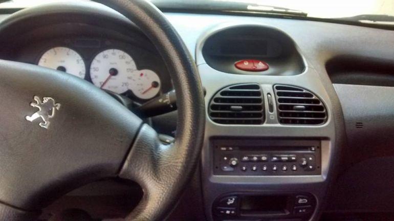 Peugeot 206 Hatch. Feline 1.6 16V (flex) - Foto #3