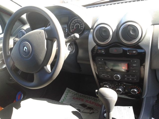 Renault Sandero Privilege 1.6 16V (Flex)(aut) - Foto #5