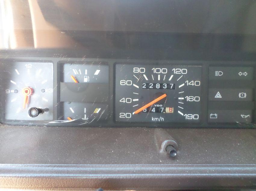 Volkswagen Voyage Plus 1.6 - Foto #8