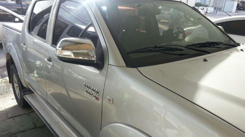 Toyota Hilux 3.0 TDI 4x4 CD SRV Top Auto - Foto #4
