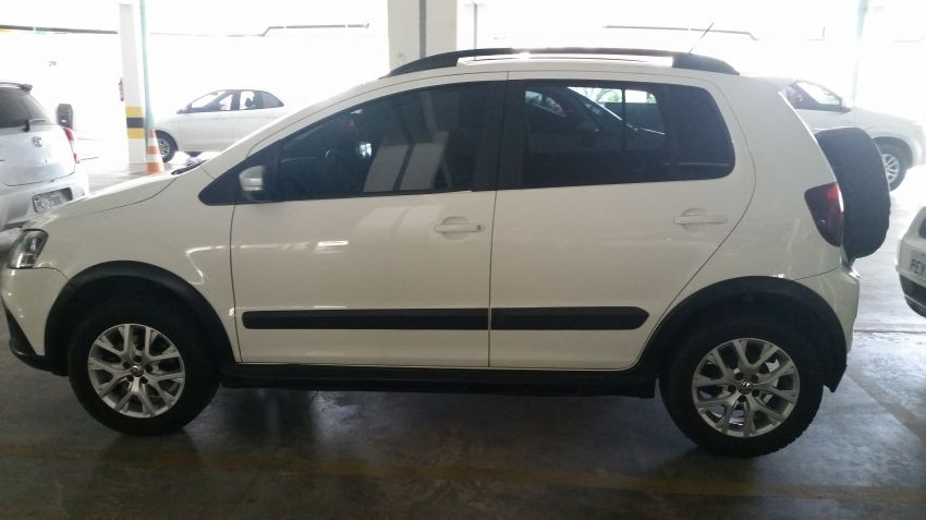 Volkswagen Fox Cross 1.6 16v MSI (Flex) - Foto #1