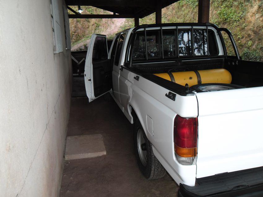 Ford F1000 Super Serie Super Cab 4.9 i (Cab Estendida) - Foto #3