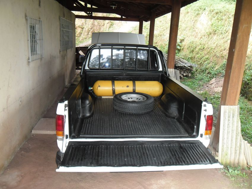 Ford F1000 Super Serie Super Cab 4.9 i (Cab Estendida) - Foto #4