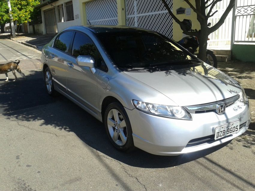 Honda Civic Sedan LXS 1.8 - Foto #2
