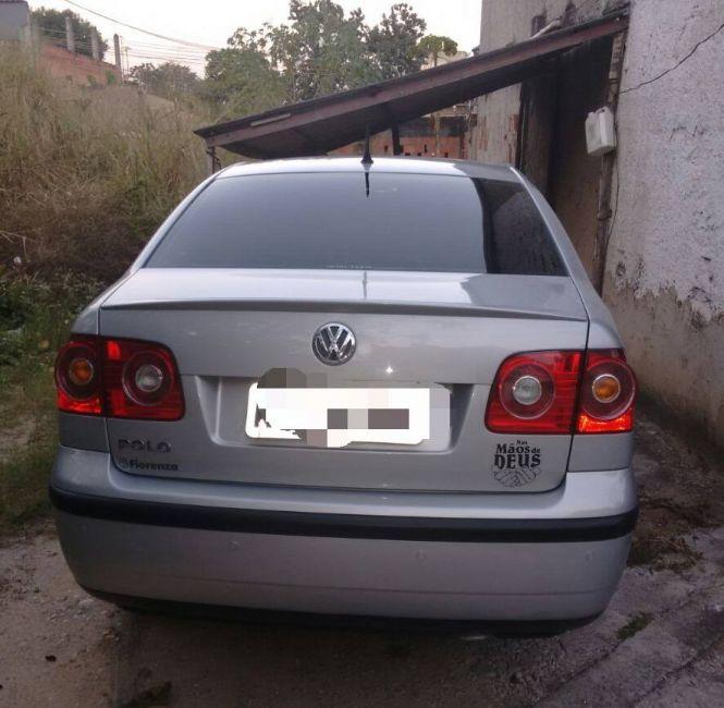 Volkswagen Polo Sedan 1.6 8V - Foto #3