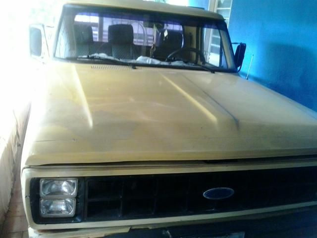 Ford F1000 Super 3.6 (Cab Simples) - Foto #1