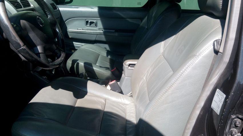 Nissan Frontier SE Serrana 4x4 2.8 (cab. dupla) - Foto #4