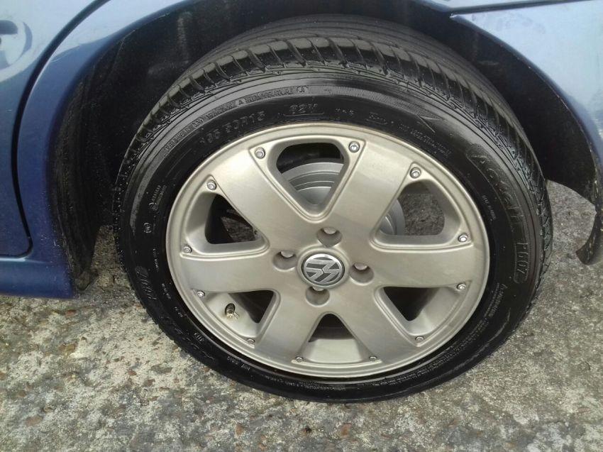 Volkswagen Gol 1.0 16V MI - Foto #4