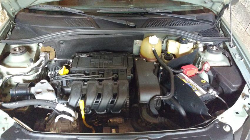 Renault Clio Hatch. 1.0 16V (série limitada) 4p - Foto #4