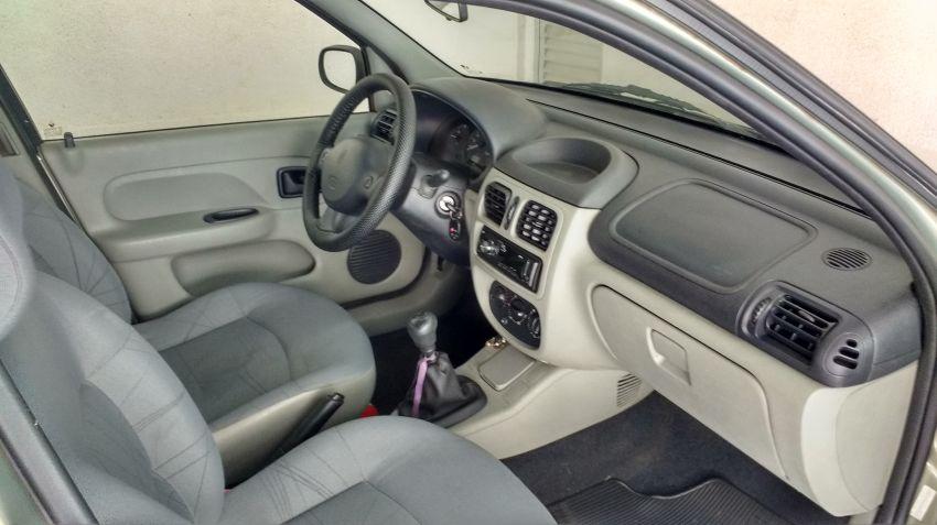 Renault Clio Hatch. 1.0 16V (série limitada) 4p - Foto #5