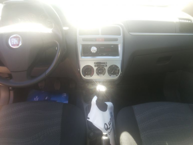 Fiat Punto Attractive 1.4 (Flex) - Foto #7