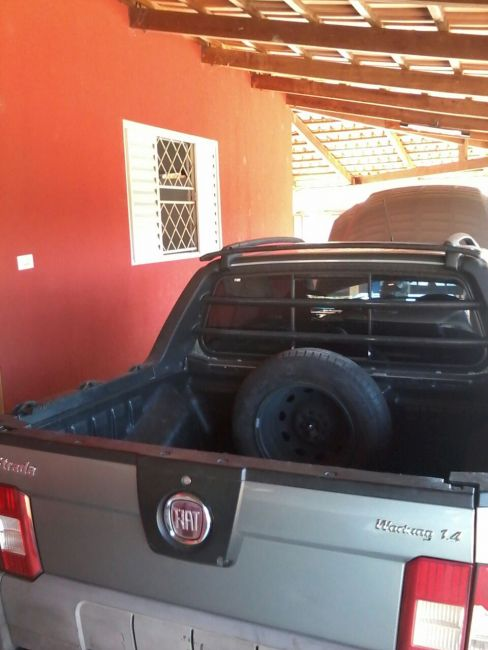Fiat Strada Working 1.4 (Flex)(Cab Dupla) - Foto #1