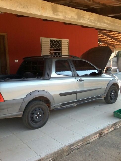 Fiat Strada Working 1.4 (Flex)(Cab Dupla) - Foto #3