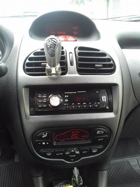 Peugeot 206 Hatch. Feline 1.6 16V (flex) - Foto #6
