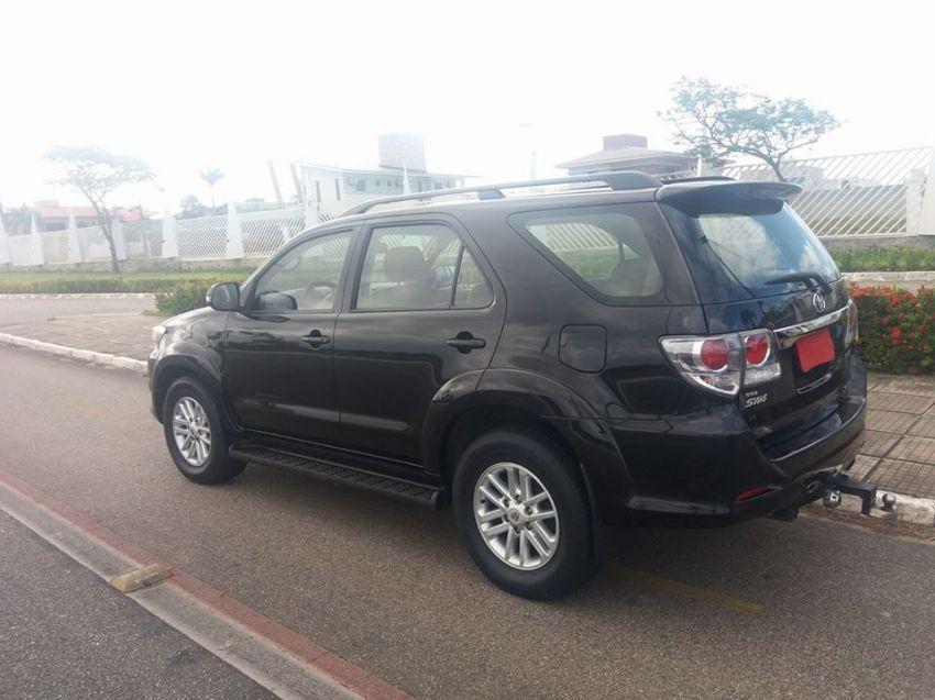 Toyota Hilux SW4 3.0 TDI 4x4 SRV 7L Auto - Foto #4