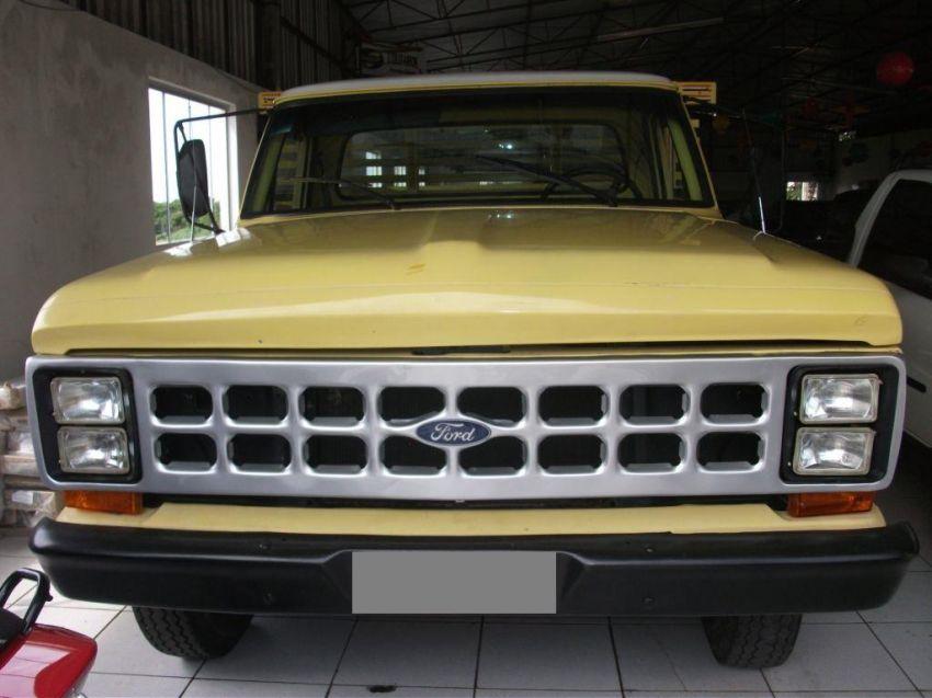 Ford F-4000 LWD 4x2 (Chassi Alongado) - Foto #1
