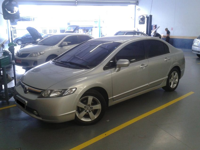 Honda New Civic LXS 1.8 16V i-VTEC (aut) (flex) - Foto #2