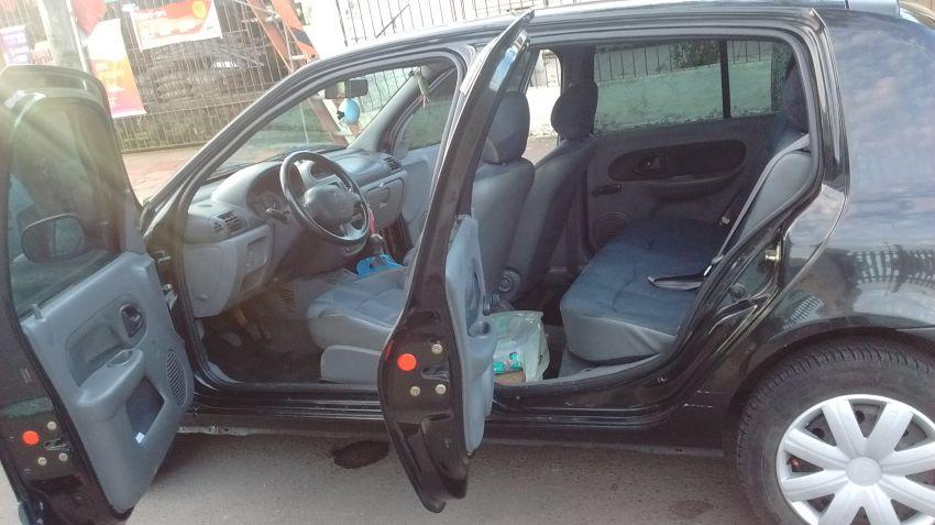 Renault Clio Hatch. RN 1.0 16V - Foto #4