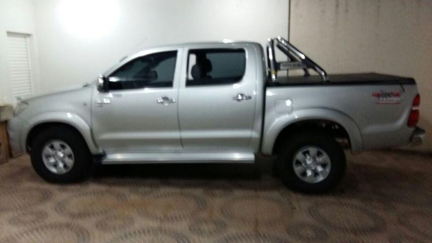 Toyota Hilux STD 4x4 2.5 (cab. dupla) - Foto #3
