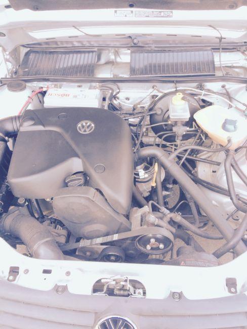 Volkswagen Santana Comfortline 1.8 MI - Foto #3