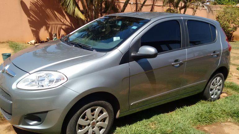 Fiat Palio Attractive 1.0 8V (Flex) - Foto #3