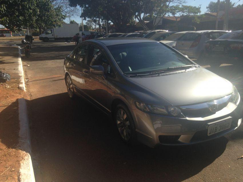 Honda New Civic LXL 1.8 i-VTEC (Couro) (Flex) - Foto #8