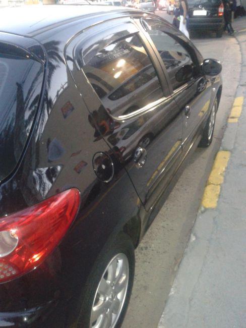 Peugeot 207 Hatch XR Sport 1.4 8V (flex) - Foto #1