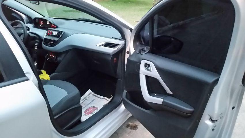 Peugeot 208 1.5 8V Active (Flex) - Foto #4