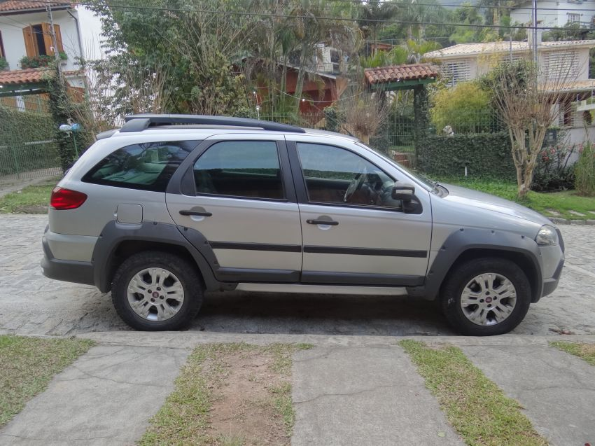 Fiat Palio Weekend Adventure Locker 1.8 8V (Flex) - Foto #6