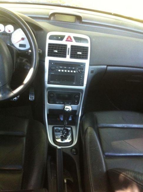 Peugeot 307 Hatch. Griffe 2.0 16V (aut) - Foto #4