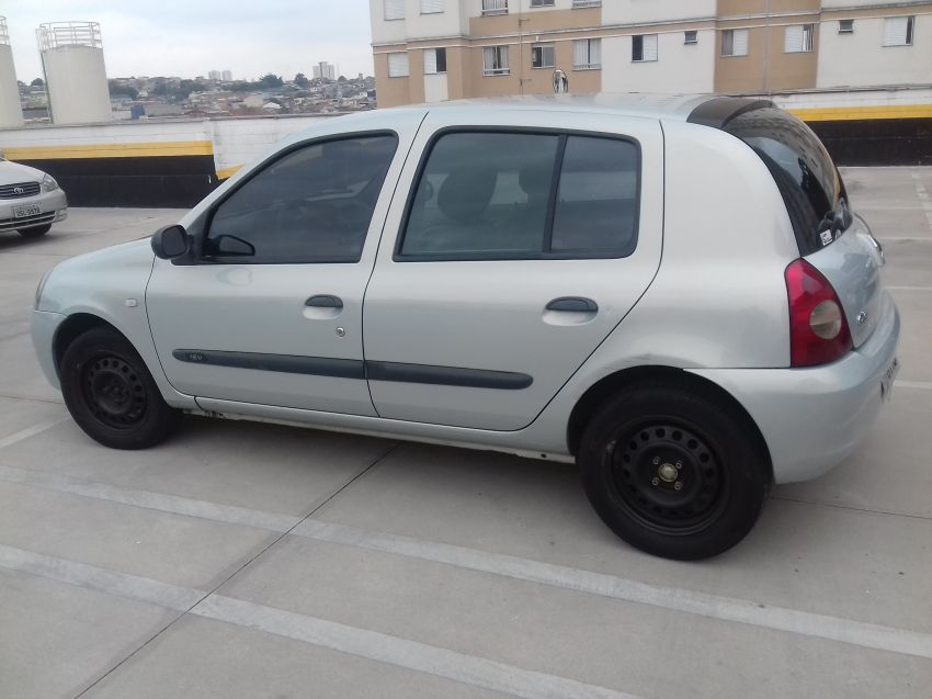 Renault Clio 1.0 16V (flex) 4p - Foto #4