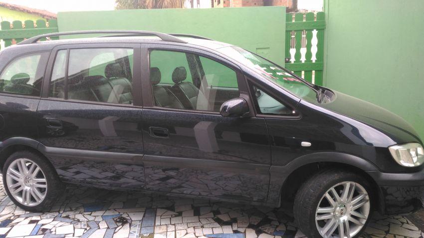 Chevrolet Zafira CD 2.0 8V (Aut) - Foto #5