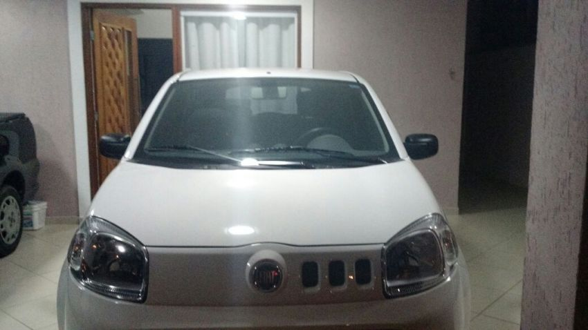 Fiat Uno Vivace 1.0 (Flex) 2p - Foto #1