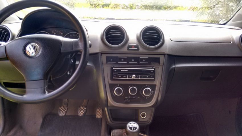 Volkswagen Voyage Comfortline 1.6 (Flex) - Foto #5
