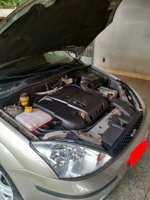 Ford Focus Sedan GLX 2.0 16V Duratec (Aut) - Foto #2